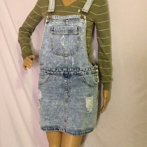 A large forever 21 overall Skirt